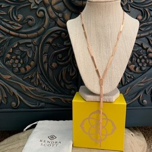 Nwt Kendra Scott rose gold Gail necklace